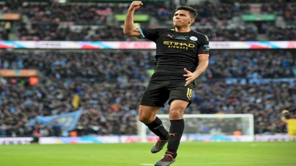 Coupe de la ligue Anglaise : Aston Villa 1 – Manchester City 2