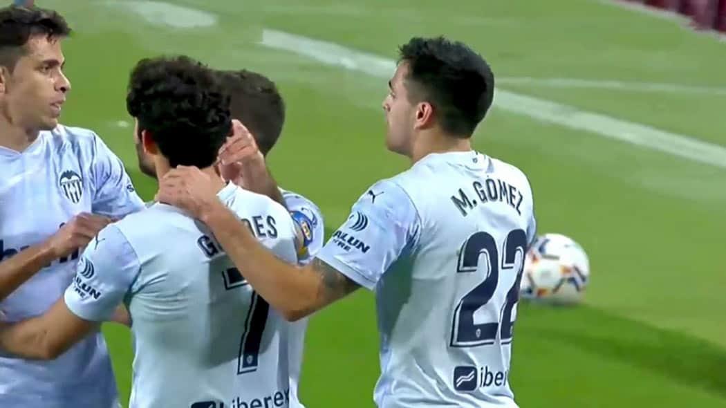 Liga : FC Barcelone – FC Valence (2-2)